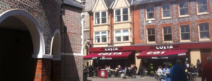 Costa Coffee is one of Lugares favoritos de Laura.