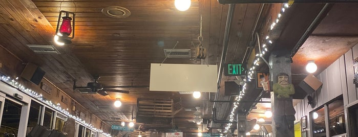 Rustic Inn Crabhouse is one of FLL/PBI Scene.