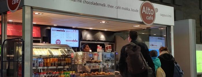 Alto Café is one of สถานที่ที่ Jeroen ถูกใจ.