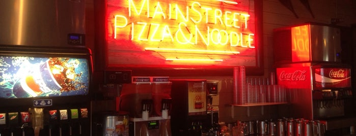 Main Street Pizza & Noodle is one of Lieux qui ont plu à Josh.