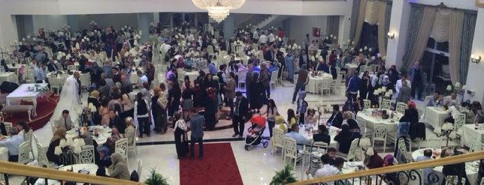 Şaheser Düğün ve Kongre Sarayı is one of Çiğdem : понравившиеся места.
