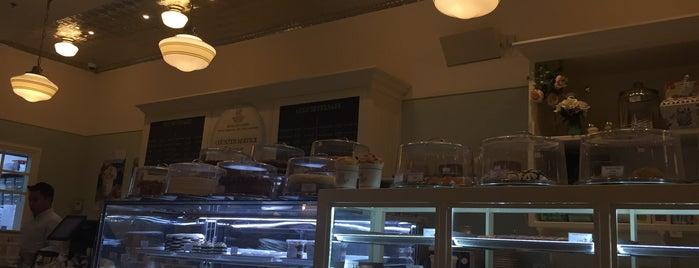 Magnolia Bakery is one of Lugares guardados de Queen.