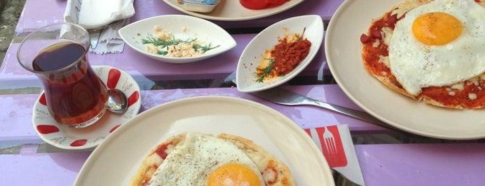 Bay-Kuş Cafe Kahvaltı is one of Lieux sauvegardés par Sevda.