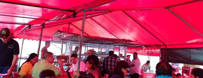 Tacos El Puente is one of Tempat yang Disukai kimopali.