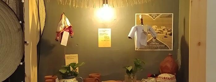 Kojeen: See You in Iran Café-Hostel is one of Travelsbymary'ın Beğendiği Mekanlar.