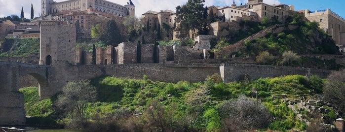 Toledo is one of Tempat yang Disimpan Fabio.