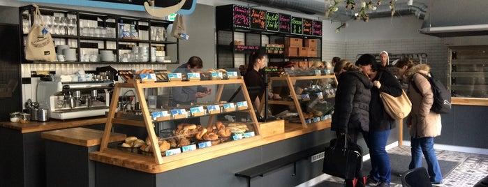 Antonínovo pekařství is one of Kde si pochutnáte na kávě doubleshot?.