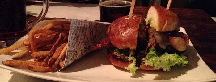 Rapsodia Burger Company is one of Locais salvos de Luis.