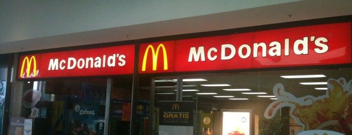 McDonald's is one of Lieux qui ont plu à Flávia.