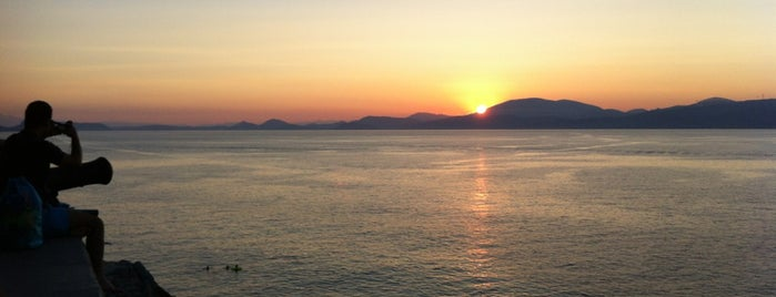 Sunset is one of Hydra.