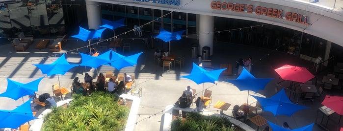 InterContinental Los Angeles Downtown is one of Tempat yang Disukai Yinan.