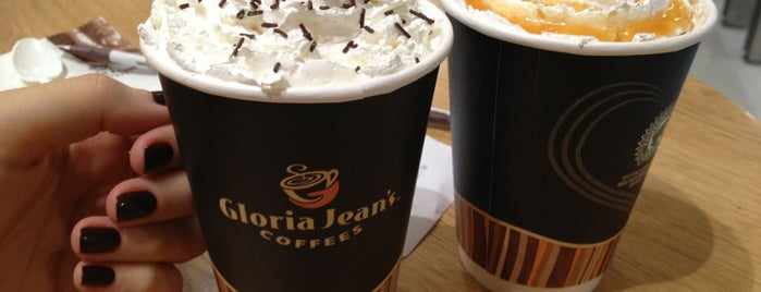 Gloria Jean's Coffees is one of Tempat yang Disukai Leyla.