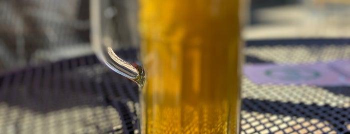 The Elk Horn Brewery & Ciderhouse is one of Nicole : понравившиеся места.