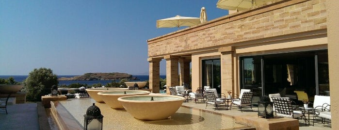 Cape Sounio Grecotel Exclusive Resort is one of Georgia❤ 님이 좋아한 장소.