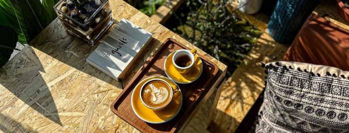 Flow Coffee & Community is one of Queen 님이 저장한 장소.
