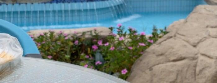 Achti Resort Luxor Resort is one of Orte, die Nika gefallen.