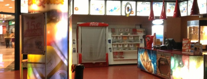 Cines Cinesa is one of Para hacer check-in.