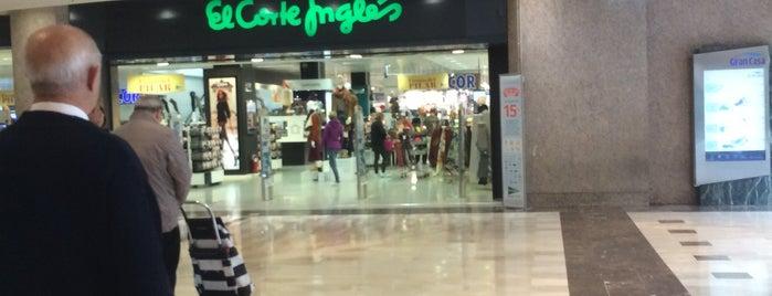 El Corte Inglés is one of Para hacer check-in.