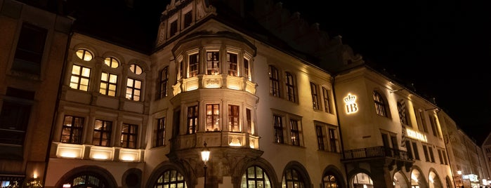 Hofbräuhaus is one of Luca 님이 좋아한 장소.