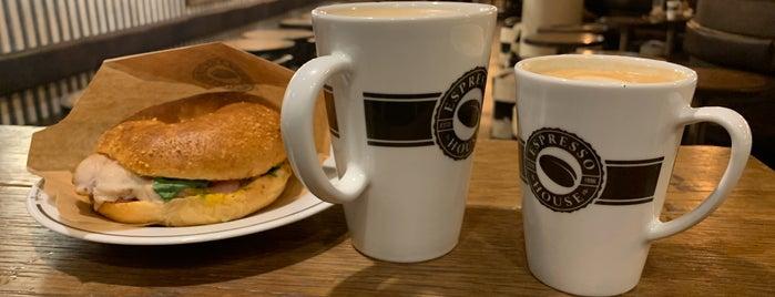 Espresso House is one of Lugares favoritos de T..