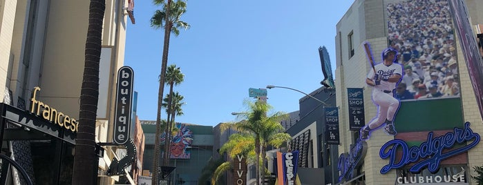 Universal City is one of Tempat yang Disukai Sergio M. 🇲🇽🇧🇷🇱🇷.