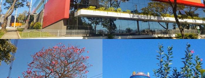 Mercês Auto Center is one of สถานที่ที่ Ana Cristina ถูกใจ.