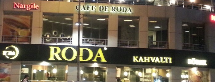 Cafe De Roda is one of Posti che sono piaciuti a Ömer.