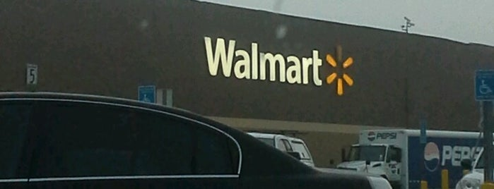 Walmart is one of Lieux qui ont plu à Alda.