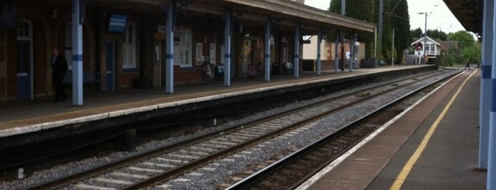 Stowmarket Railway Station (SMK) is one of Lugares favoritos de Barry.
