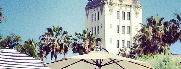 City of Beverly Hills is one of Lugares favoritos de Chris.