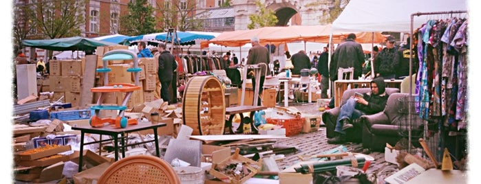 Marché aux Puces / Vlooienmarkt is one of Bruxelles.