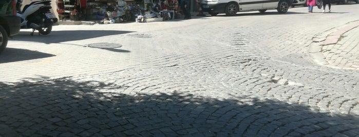 Antikacılar Çarşısı is one of Yasemin Arzu 님이 저장한 장소.