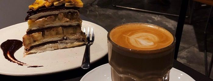 Greyhound Café is one of Jakarta Pusat.