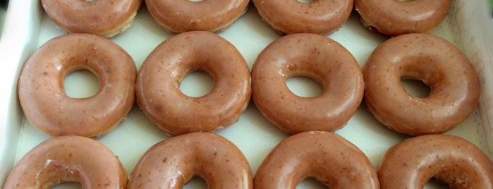 Krispy Kreme Doughnuts is one of Mayleaさんのお気に入りスポット.