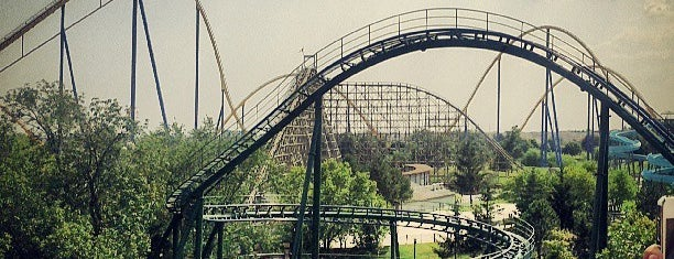 Canada's Wonderland is one of Pavlos list.