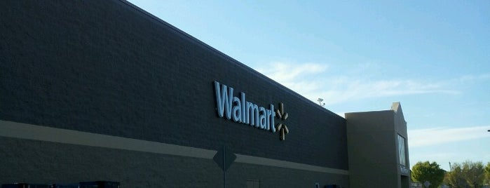 Walmart Supercenter is one of Posti salvati di Joshua.