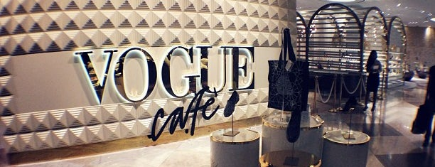 Vogue Cafe is one of Queen'in Kaydettiği Mekanlar.