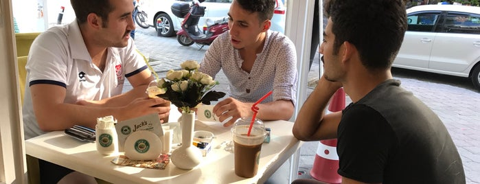 Kahve Yağmuru is one of tt. 님이 저장한 장소.
