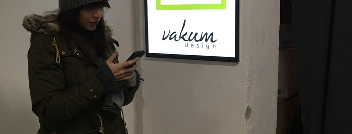Vakum Design Shop is one of Lugares favoritos de Tibor.