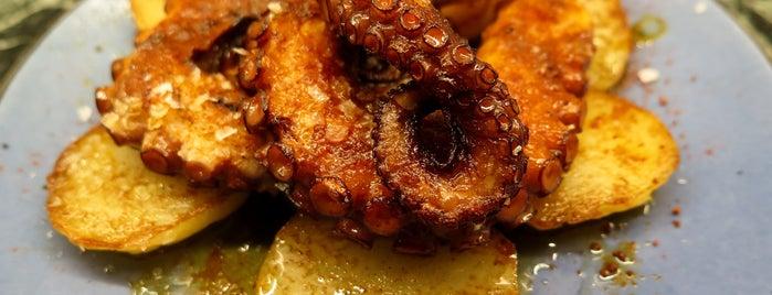 Restaurant Synatras is one of Paellas y pescado.