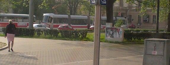 Komenského náměstí (tram, bus) is one of Davidさんのお気に入りスポット.