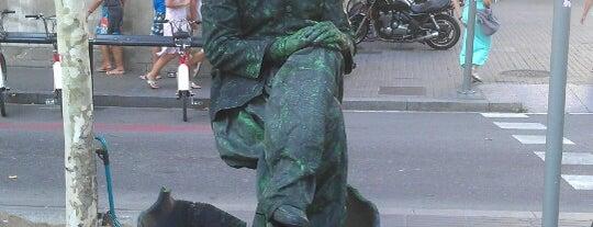 La Rambla is one of Barcelona- La Gente Esta Muy Loca.
