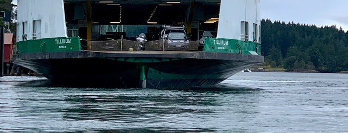 Shaw Island Ferry Terminal is one of Orte, die Michael gefallen.