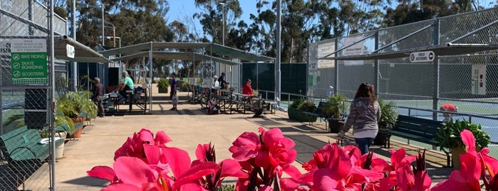 Balboa Tennis Club is one of Paul'un Beğendiği Mekanlar.