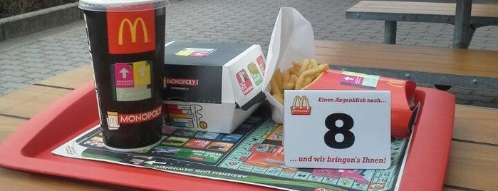 McDonald's is one of Orte, die Oli gefallen.