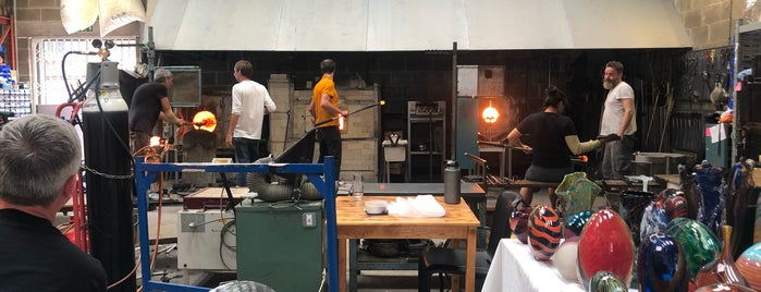 London Glassblowing is one of Locais curtidos por Tom.