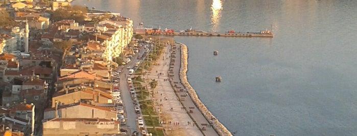 Manastır is one of Atacaksin.