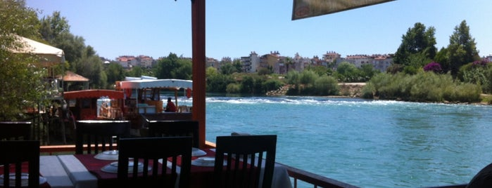 Melas Restaurant is one of Lieux sauvegardés par Mehmet Ali.
