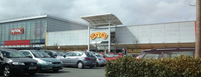 Smyths Toy Store is one of kasek'in Beğendiği Mekanlar.