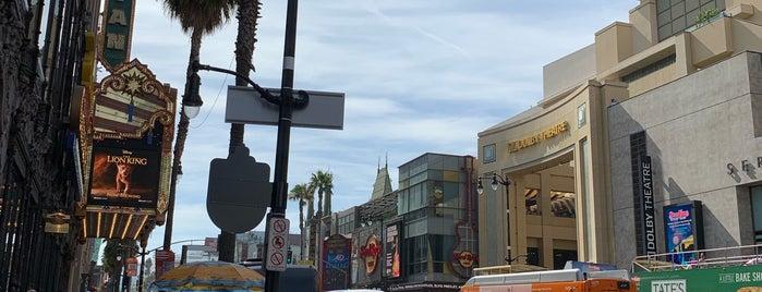Beverly Hills Liquor, Wine & Deli is one of Lieux qui ont plu à Phillip.